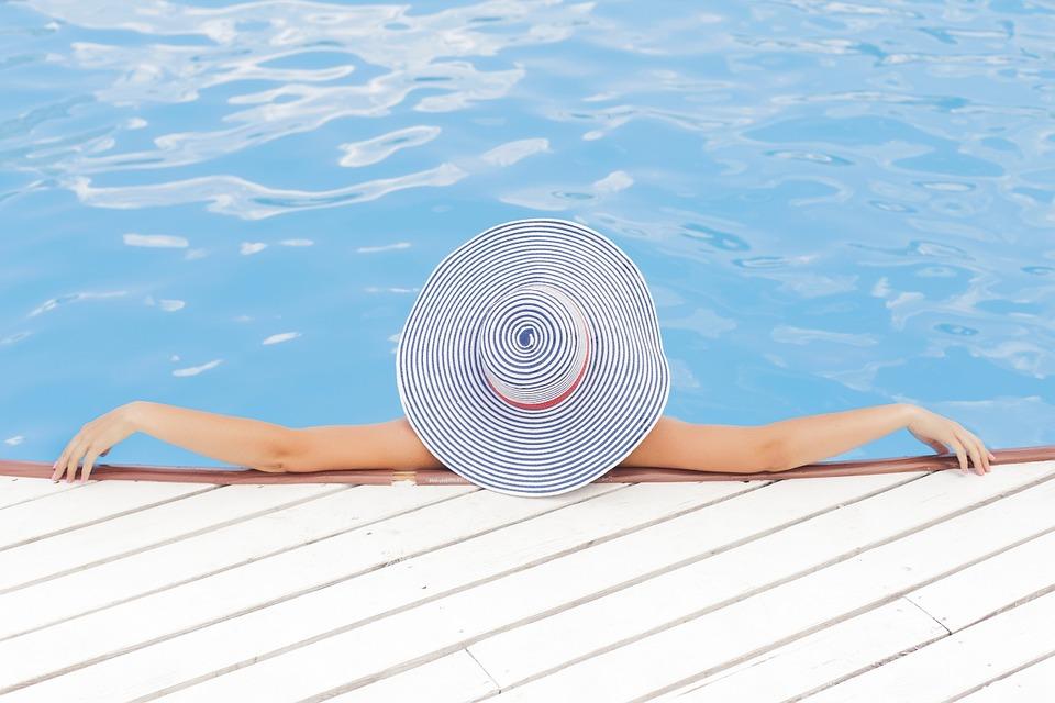 ventajas piscina de poliéster