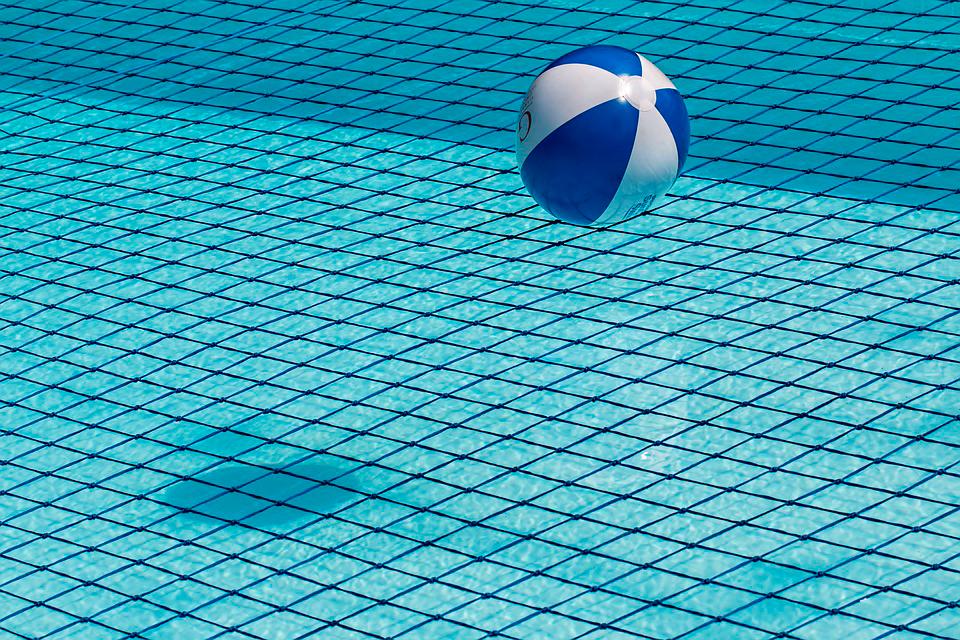 cómo tratar tu piscina después del verano.