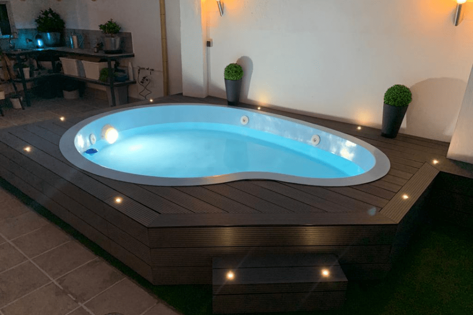 piscina prefabricada de poliéster modelo Vero