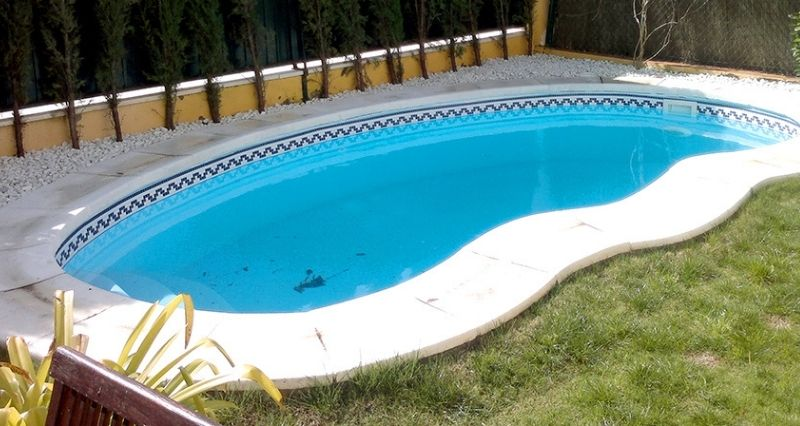 elegir piscina de poliéster, 5 aspectos a tener en cuenta