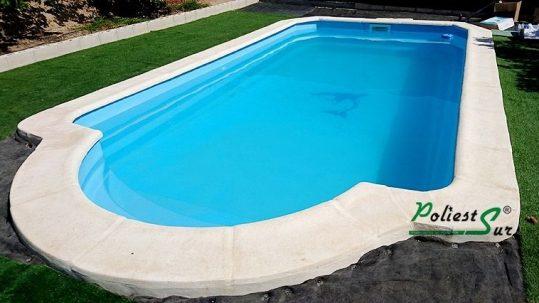 elegir una piscina de poliéster
