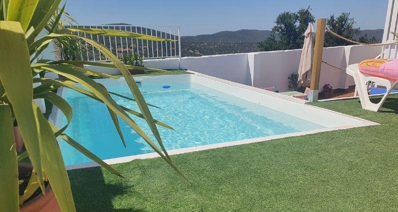instalación de piscinas de poliéster